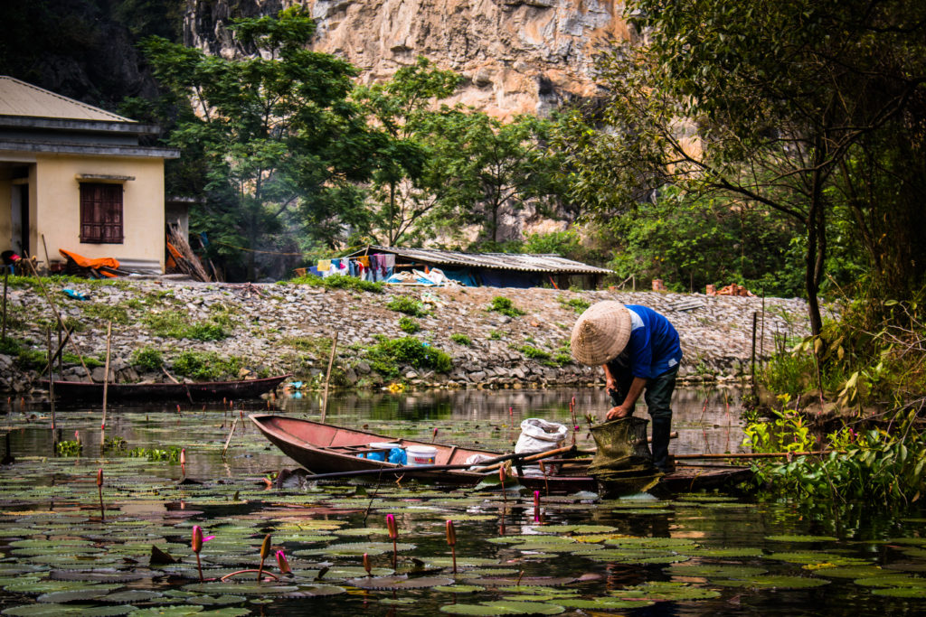 Typisch Vietnamees bootje en hoedje