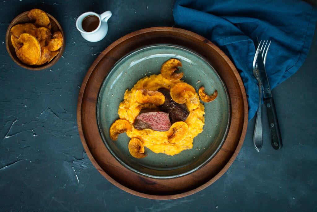 pompoenpuree met biefstuk sousvide